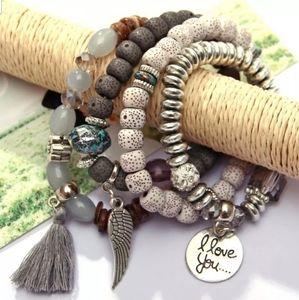 Jewelry - 4 pcs I love you Bangles